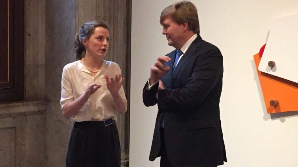 Alumna Suzien van Staaveren with King Willem-Alexander