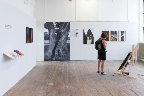 installatie Anorak, KABK Fotografie afstudeerproject 2018 door Daniël Siegersma
