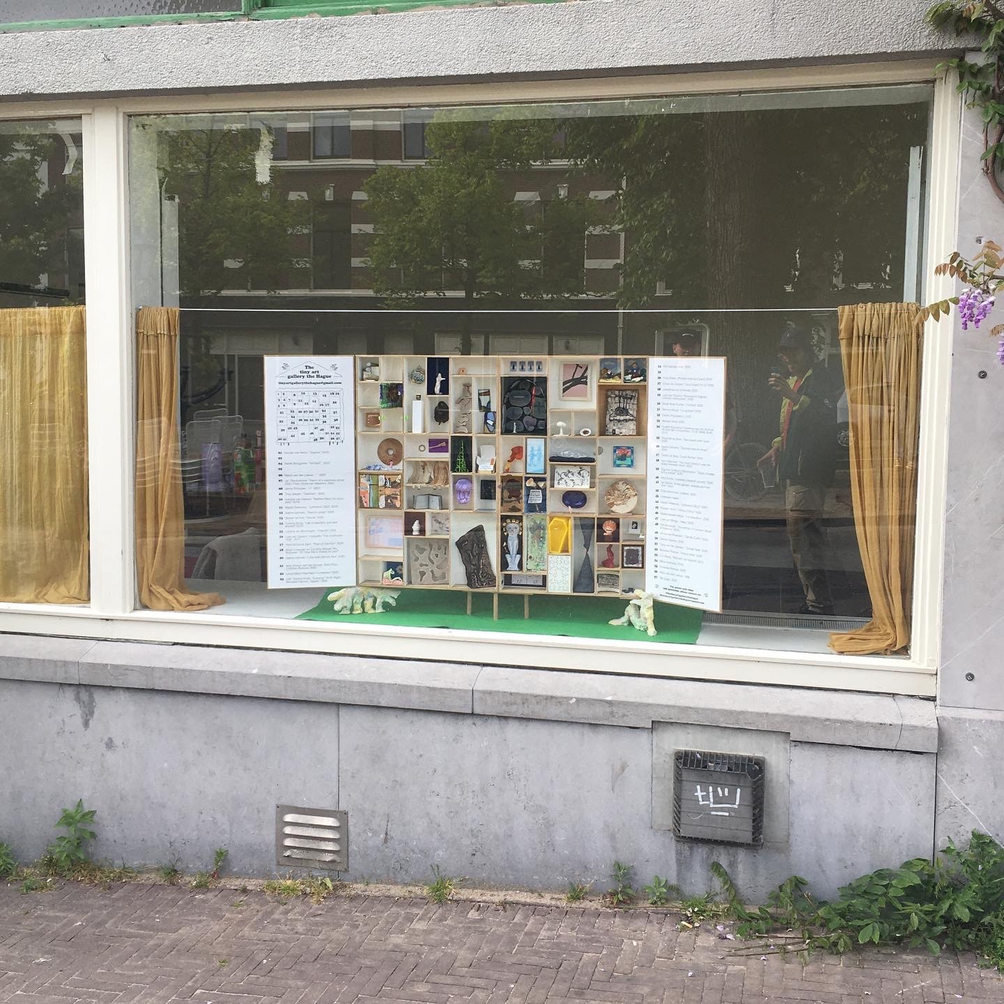 Tiny Art Gallery window view in The Hague
