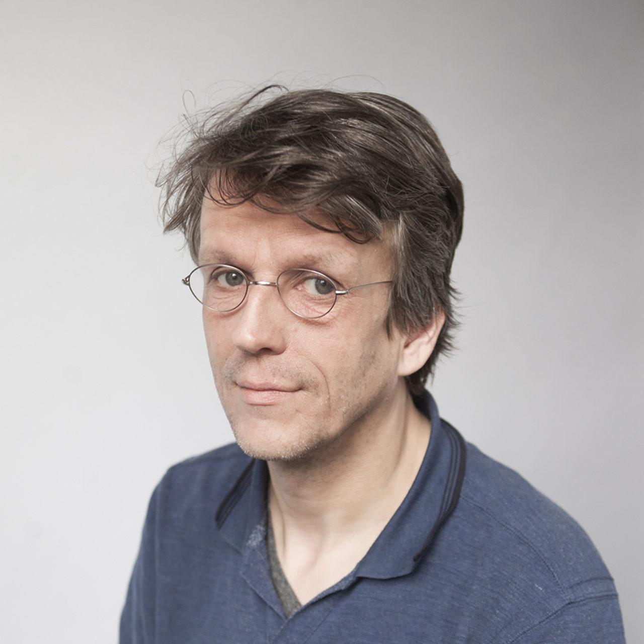 profiel foto Erik Van Blokland, hoofd Master Type en Media, Koninklijke Academie van Beeldende Kunsten Den Haag
