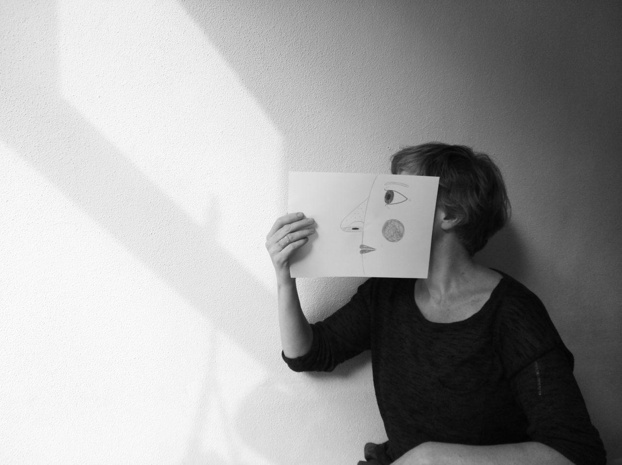 profile photo Eline van Dam - teacher at the Bachelor Graphic Design, KABK