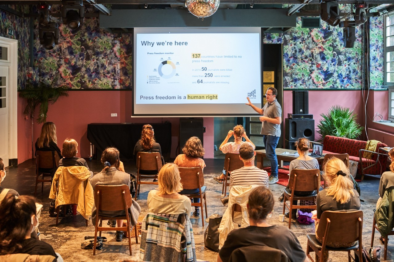 Kick-off 'Facts Not Filters' with a presentation by Boris van Westering from Free Press Unlimited photo: Roel Backaert