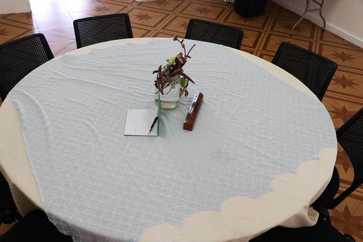 Thalia Hoffman - Round table of conversation